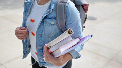 Estudantes deslocados e as despesas de educação